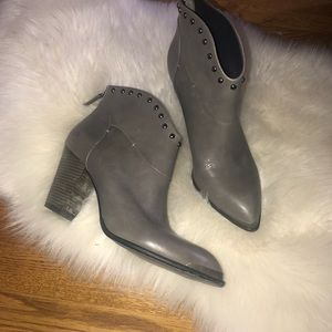 B. Makowsky quincy Gray leather studded booties